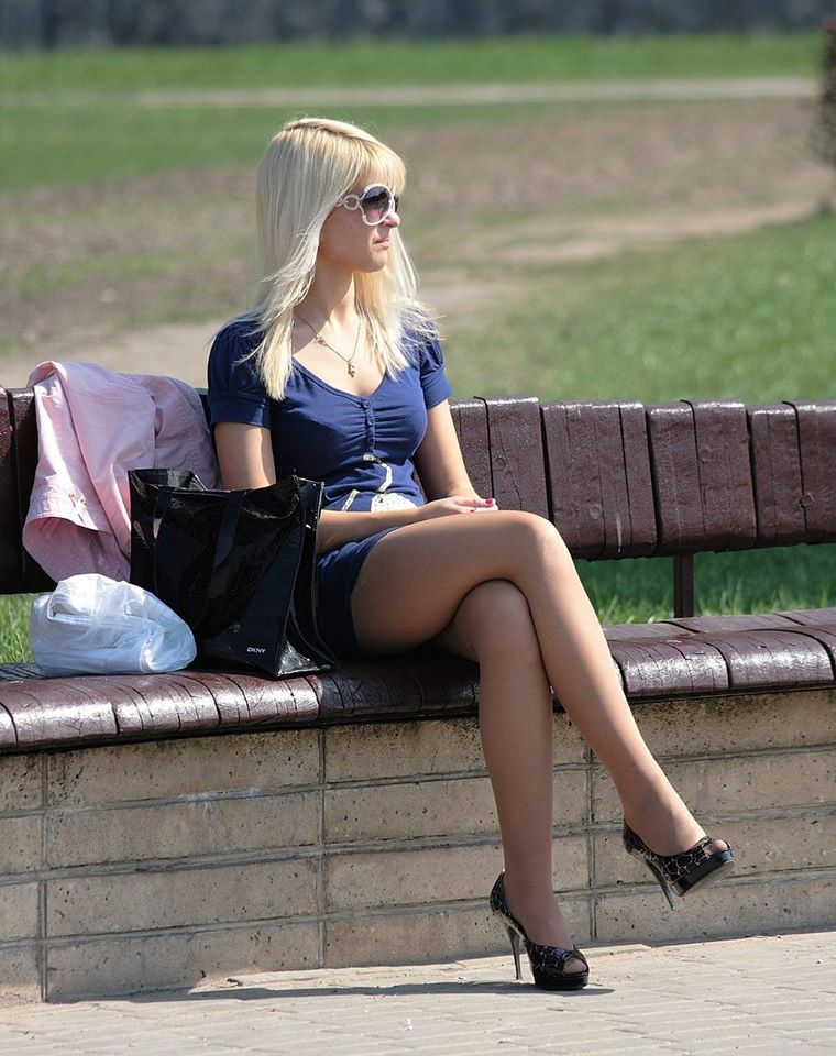candid photos women legs